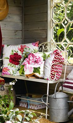 Romantic and cottage style...