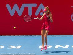Daniela Hantuchova handles the worst heat she has ever played in #HongKong http://www.womenstennisblog.com/2014/09/10/star-players-advance-hong-kong-tennis-open-highlights/