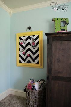 DIY Magnetic Board from an old frame! So cute!