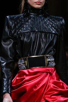 Balmain F13 Detail #jacket #balmain #womensfashion #style #fashion #look #blazer #details #luxury #luxe #highend #trend #dress #details