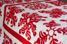 Red and White Wedding Quilt - Red and White Wedding Quilt - Lori Kennedy at The Inbox Jaunt