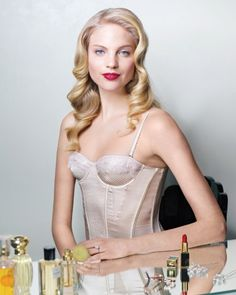 Add some Old Hollywood glamour to your wedding day look with face-framing curls