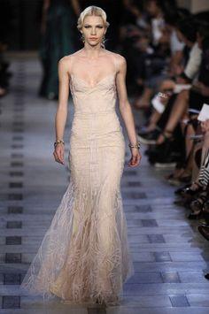 zac-posen-spring-2012-wedding-dress-3.jpg 394×594 pixels