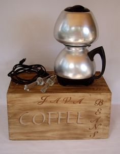Vintage Cory Coffee Pot electric drip retro kitsch coffe pot, coffe maker, vintag retro, vintag coffe, kitchen charmcurio, charmcurio find, retro kitchen