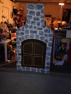 Stone oven made from a refrigerator box.  Made for Stage Prop for THE GINGERBREAD MAN kindergarten play.  Spent a total of 2 days on it with help from my buddy Nikki. The things we do for our kids!!!
