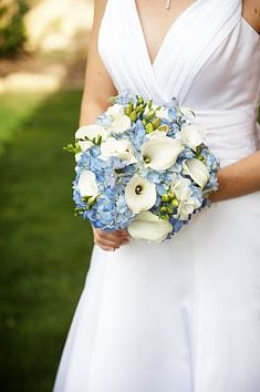 blue and white wedding bouquet, blue flowers, hydrangea, wedding flowers, mini callas, white callas
