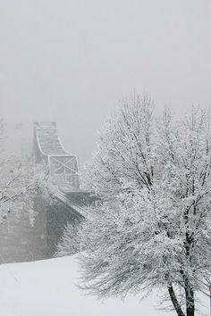 Vicksburg #Mississippi River Bridge in rare snow!