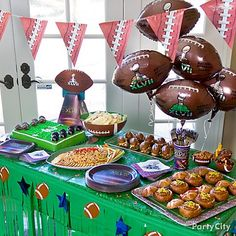 A super spread! Lots of great Super Bowl Food Ideas football party foods, super bowl foods, half birthday, theme parties, superbowl, bread bowls, football parties, game food, ideas party