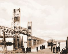 Historical Interstate Bridge I-5   -   1917: The era of ferries hauling passengers and cargo across the river is about to end.
