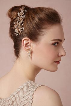 Blushing bloom Comb from BHLDN #mwbridalstyle #bhldnbride