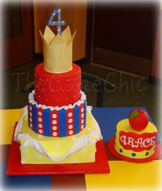 cake inspired by snow white love the smash cake