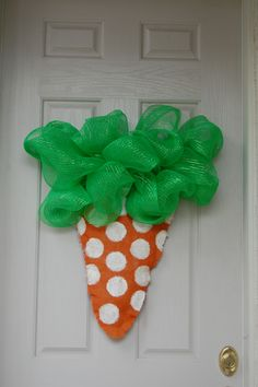 Burlap Carrott Door Hanger