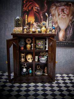 harry potter miniatures | Dollhouse Miniature Harry Potter Dumbledore's Advanced Magical Studies ...