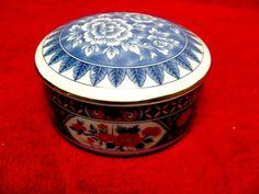 TIFFANY AND CO. PORCELAIN IMARI BOX, Powder Trinket Box, Vintage