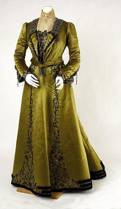 Dress 1901, American, Made of silk