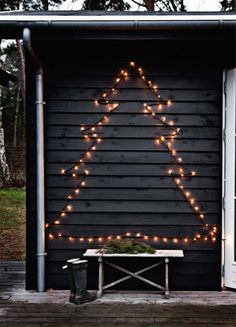 Christmas Light Tree // use lights instead of yarn or string during the holidays