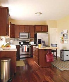 Before-and-after kitchen makeover (with photos and how-tos).