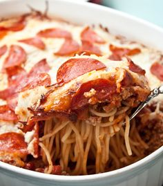 Pepperoni Pizza Spaghetti Casserole ... Either I'm very hungry, or I'm insane, but ... this could be good..?