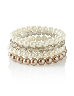 Pearl Stretch Bracelets | Women's Jewelry | THE LIMITED #TheLimited #RedCarpetStyle #Pearls #ClassicBeauty