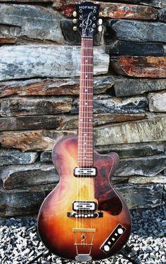 bizarr guitar, guitar fetish, special guitar, guitar board