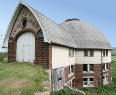 Love round barn design.