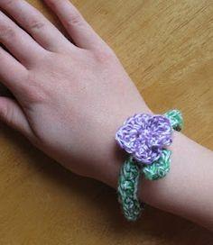 crochet bracelet using #bakerstwine from @The Twinery