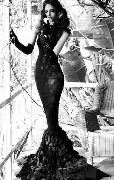 haute couture fashion style model... Steam Punk Morticia Addams !!