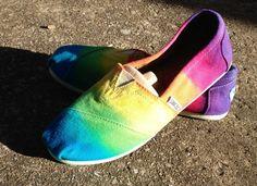 Rainbow toms