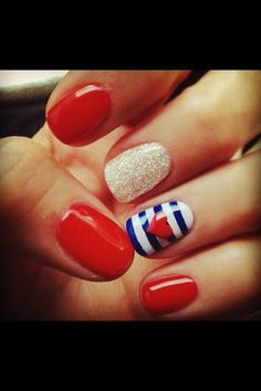 Sailor nails - for the beach, in August!