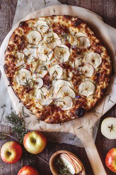 Apple, Bacon and Rosemary Pizza