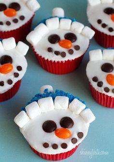 Snowman cupcakes! Kids' school treat idea before holiday break.