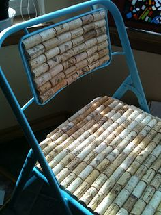 Chaise de bouchons Wine corks to cover chair seats and back