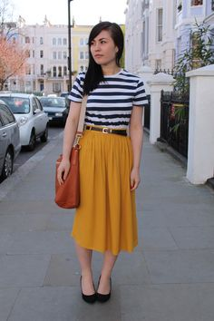 Burnt-orange-shopper-prada-bag-mustard-midi-skirt-riverisland-skirt_400