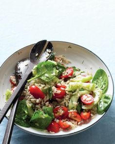 Brown-Rice Salad with Spinach and Tomatoes