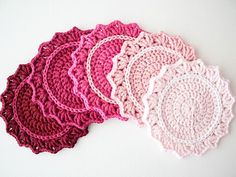 DIY: ombre crochet coasters