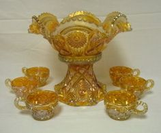 MARIGOLD CARNIVAL GLASS FASHION PUNCH SET; BOWL, BASE & 6 CUPS