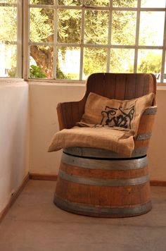 tonneau idees on pinterest wine barrels barrels and. Black Bedroom Furniture Sets. Home Design Ideas