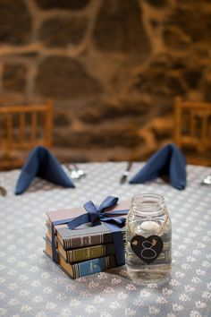 White + navy wedding table decor | Carriage House Wedding | Leah Valentine PHotography