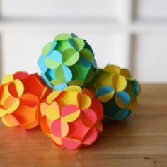 Get a template for making 3D paper balls
