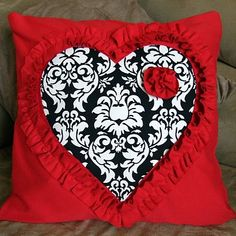 #DIY Heart Pillow Cover Tutorial #CRAFTS #VALENTINE