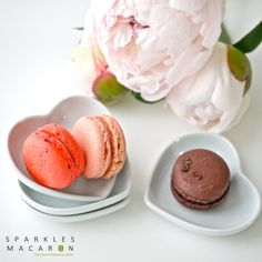 Who doesnt like french macarons? They are one of the most popular sweets in the world!  via SparklesMacaron on Etsy.com