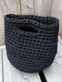 ........Ellen on the globe........: Zwarte zpagetti tas (met uitleg) crochet zpagetti, globes, craft idea, knit, diy idea, haken tas, bag tutorials, tas haken, crochet idea