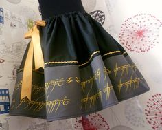One Ring skirt by Roobys. Via Etsy.