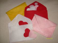 Kid Kapers: Felt Valentine Busy Bag