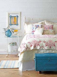 Vintage Bedroom Ideas Look to patterns, patinas, and pieces from periods past to design vintage bedrooms that are cozy, comfortable, and stylishly collected.