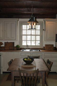 cottag kitchen, farmhouse table, countri kitchen, farm kitchens, wood ceilings, walnut kitchen, country kitchens, kitchen ideas, kitchen tabl