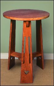 arts and crafts occasional table in solid oak Designed circa 1900