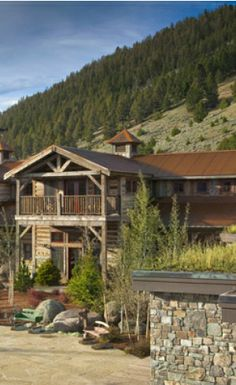 A romantic getaway on the ranch: The Ranch at Rock Creek in Philipsburg, Montana | glaciermt.com