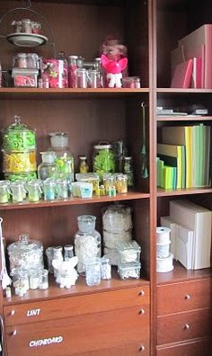 love the idea of organizing by color
