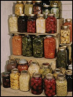 Home Canning Food Instructions on How to Can Fruit and Vegetables with amounts of fruit & veggies needed!! Great chart and info!  Detailed Home Canning Instructions on How to Can Fruit and Vegetables